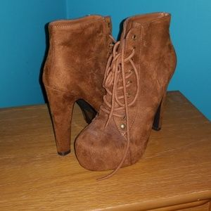 Shoes - Brown ackle booties 5.5